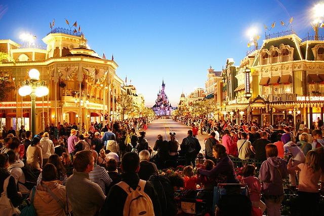 Disneyland: plus de 50 postes Personnages et Parades à pourvoir